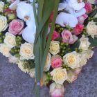 coeur-de-roses-et-orchides